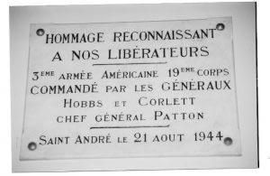 Plaque commémorative à l'aérodrome de St André de l'Eure