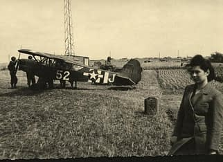 Piper L - 4 and peasants in Normandy
